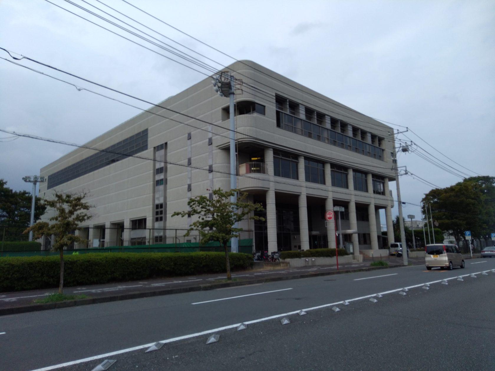 横須賀市北体育館温水プールの外観
